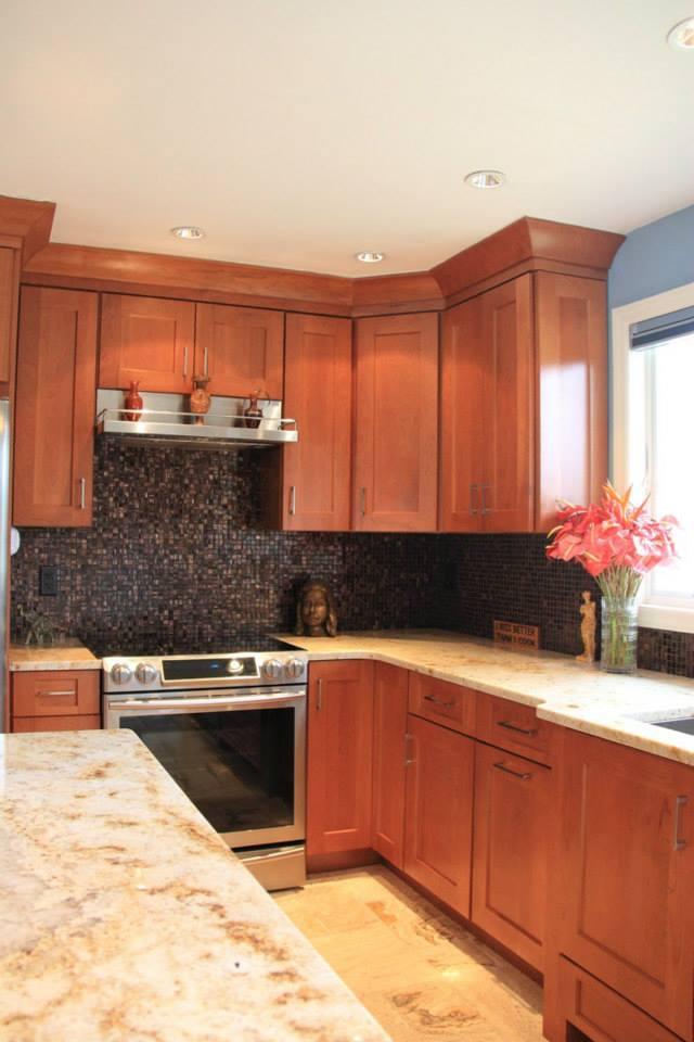 Mid-Size Wood Kitchen | Evo Design Center