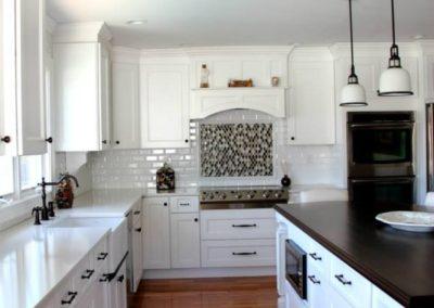Mid Size White Kitchen Evo Design Center
