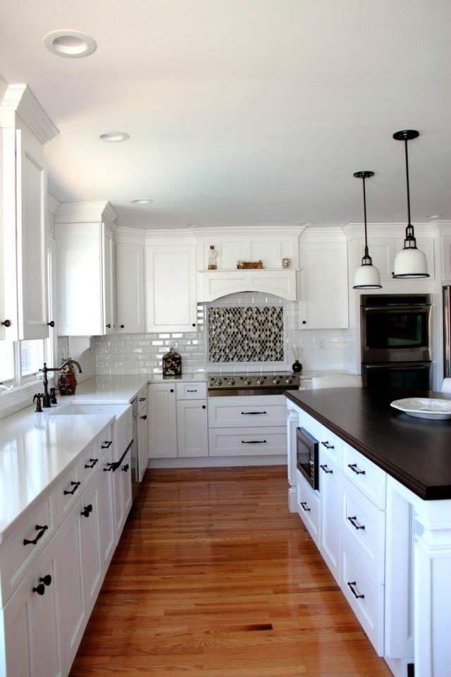 Mid-Size White Kitchen | Evo Design Center