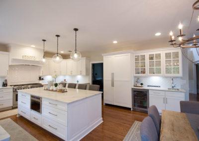 Large White Kitchen w Island
