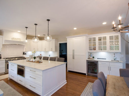 Large White Kitchen w Island